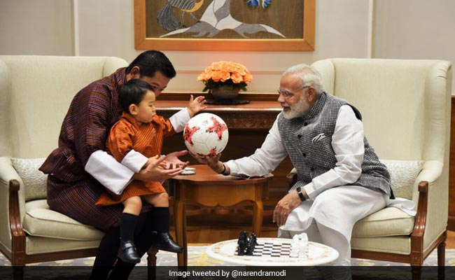 pm modi with bhutan prince