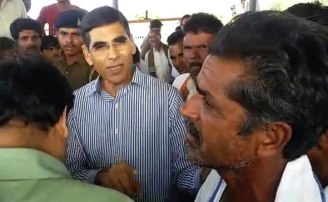 मध्य प्रदेश : किसानों ने बताई अपनी परेशानी तो अफसर ने कहा, खेती छोड़कर बन जाओ मजदूर