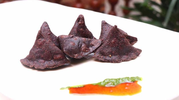 Diabetes Diet: Ditch Your Regular Samosa And Try This Delish Ragi Samosa To Manage Blood Sugar