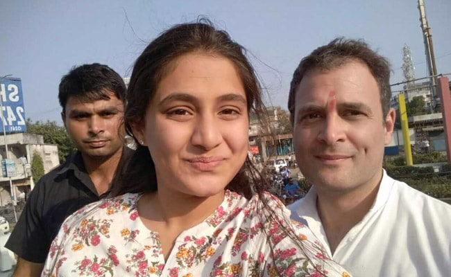 Gujarat Assembly Elections 2017: On Campaign Trail, Girl Gets On Rahul Gandhi's Van For Selfie
