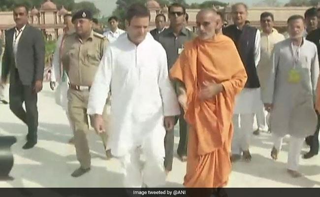गुजरात के रण में राहुल गांधी, अक्षरधाम मंदिर में दर्शन के साथ की दौरे की शुरुआत