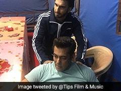 Why Ranveer Singh Gave Salman Khan A Shoulder Rub On <i>Race 3</i> Sets