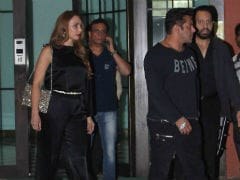 Salman Khan, Iulia Vantur And Katrina Kaif At Arpita-Ayush's Anniversary Party. See Pics