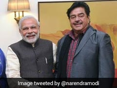 Shatrughan Sinha's <i>Chaiwala</i> Dig, Amid Row Over Meme Targeting PM