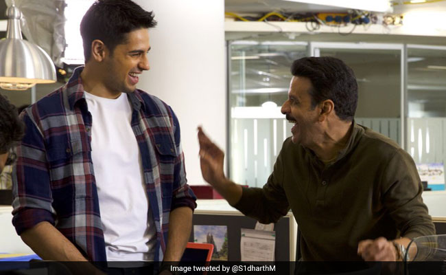 Trending: This Pic Sidharth Malhotra And Manoj Bajpayee From Sets Of Aiyaary