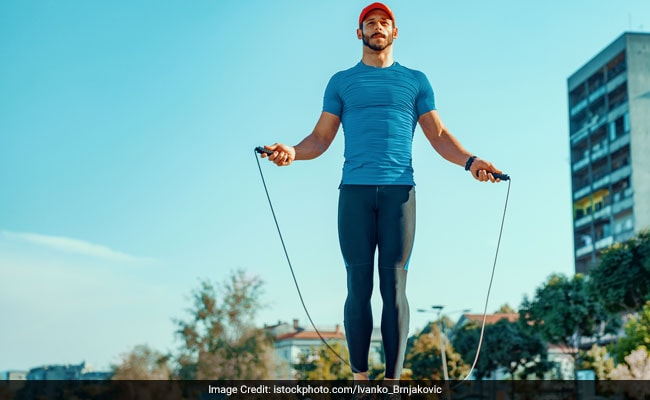 skipping rope helps in reducing back fat