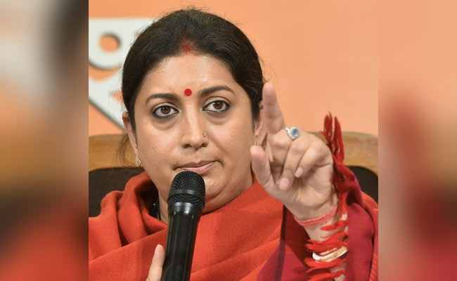 Smriti Irani Launches 'Digital Rath' To Spread Awareness On Cashless Payments
