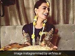 Viral: Actress Smriti Khanna Doing The Bhangra At Her Mehendi