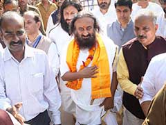 Ram Temple-Babri Masjid Case: Sri Sri Ravi Shankar Meets Muslim Leaders In Lucknow