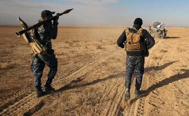ISIL Retreating 'Deep into Desert' As Iraqi Forces Continue Final Offensive