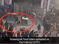 देखिए कैसे सर्कस के शो के दौरान पिंजरे से निकल भागा बाघ, वीडियो हो रहा वायरल