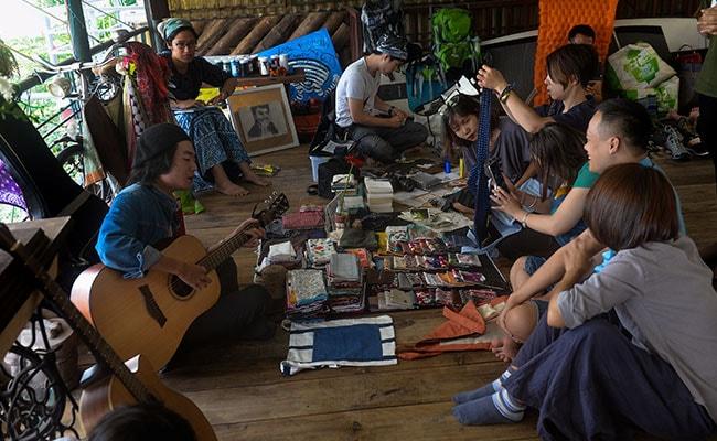 vietnam old lovers market 650 afp