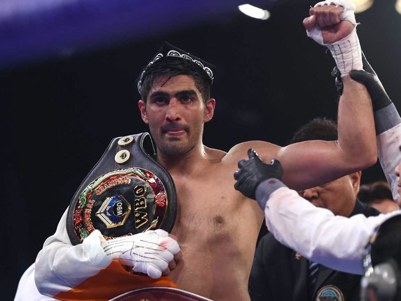 Vijender Singh To Take On Super Middleweight Champion Rocky Fielding In 2018