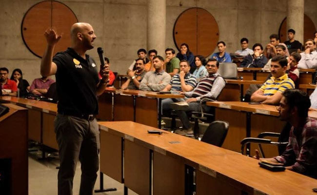 IIM Ahmedabad Hosts Former Indian Hockey Team Captain Viren Rasquinha