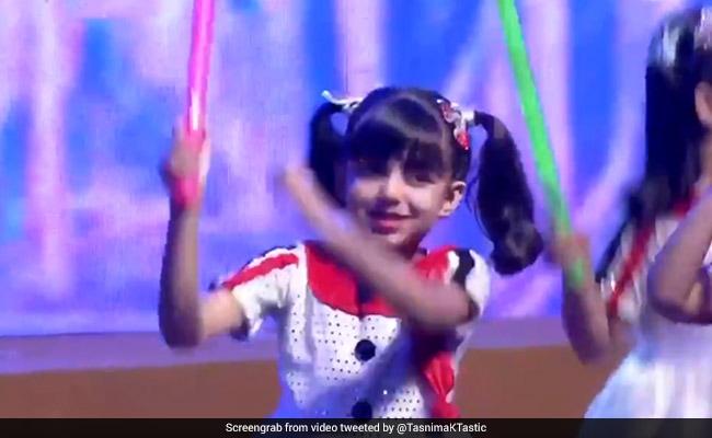 Viral Video: आराध्या बच्चन ने Annual Day पर दी स्टेज परफॉर्मेंस, शाहरुख खान भी थिरके