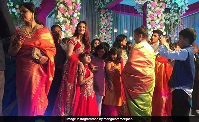 Viral: Aishwarya And Aaradhya Bachchan In Matching Lehengas At Wedding
