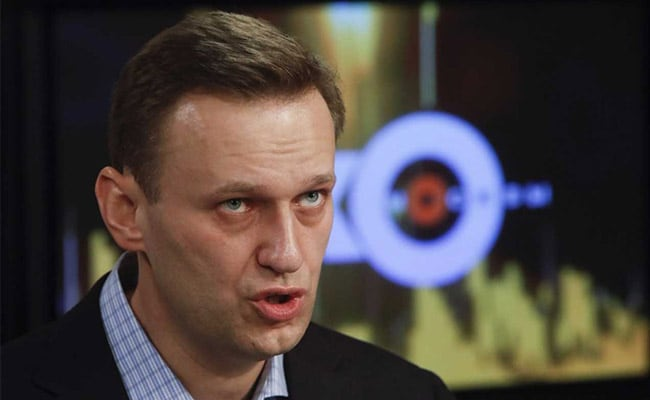Russian court backs election ban on opposition leader Navalny