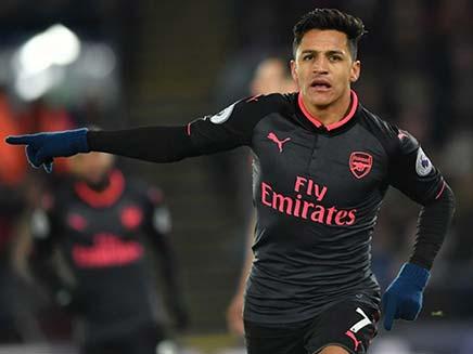 Premier League: Alexis Sanchez Gives Record-Equalling Arsene Wenger Victory