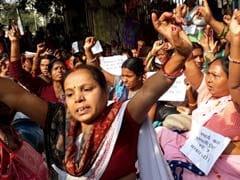 पटना : सचिवालय की सुरक्षा व्यवस्था तोड़कर घुसीं सैकड़ों एएनएम, जमकर मचाया हंगामा
