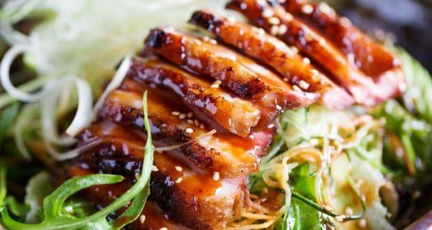 एशियन सेसमी चिकन सलाद