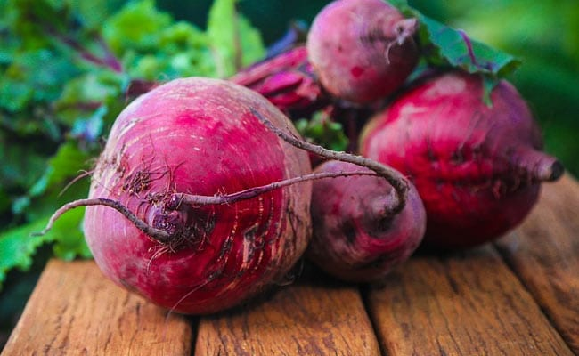 Beetroot And Spinach: Healthy Eyes, Preventing Macular Degeneration; Health  Benefits And Nutrition Facts