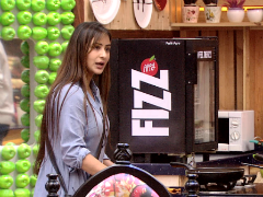 <I>Bigg Boss 11</i>, December 14: Is This Shilpa Shinde's Last Day In The Kitchen?