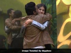 <i>Bigg Boss 11</i>, Written Update, December 28: Puneesh Sharma And Bandgi Kalra's Happy Reunion