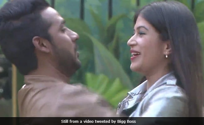 Bigg Boss 11, December 28: A Lovers' Reunion With Puneesh-Bandagi, Hina-Rocky