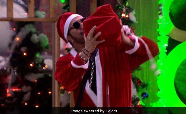Bigg Boss 11, Weekend Ka Vaar, December 24: Santa Claus Mika Singh Is In The House