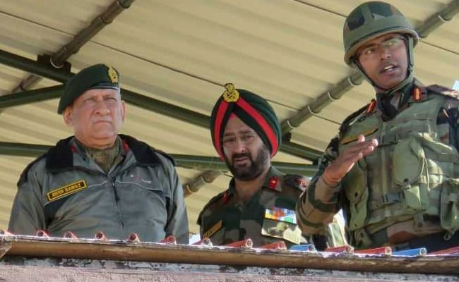 सीमा पर तनाव के बीच सेना प्रमुख पहुंचे जम्मू कश्मीर, सुरक्षा स्थिति का जायजा लिया
