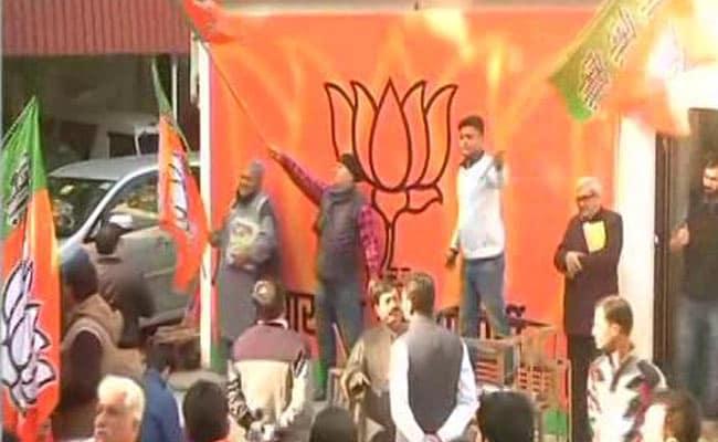 हिमाचल प्रदेश चुनाव परिणाम 2017 Live: पीएम मोदी नेट्वीट करके कहा, हिमाचल प्रदेश में लहराया कमल, विकास की हुई भव्य जीत