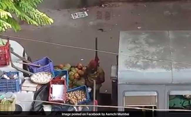 Mumbai Civic Body Workers Allegedly Steal Seized Items. Video Is Viral