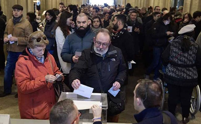 Catalans Vote In Bid To Solve Independence Crisis