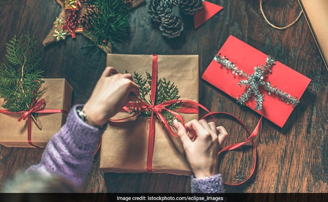 Christmas 2017: Last Minute Secret Santa Gifts For Your Office Colleagues