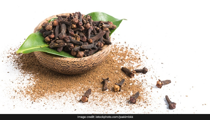7 Surprising Health Benefits of Clove, laung ke fayde hindi