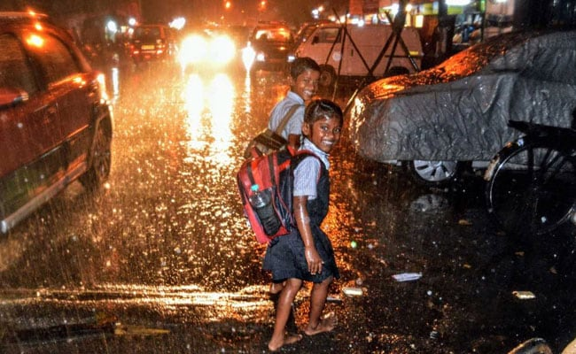 Cyclone Ockhi Live Updates: Mumbai Schools Closed, 1,540 Rescued From Other States