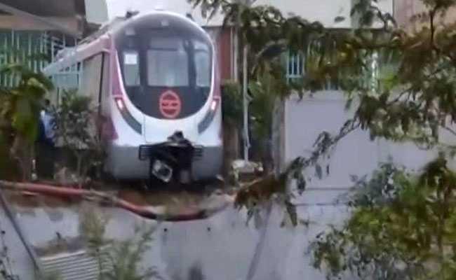 Delhi Metro's Driverless Magenta Line Train Crashes Days Before Launch By PM Modi