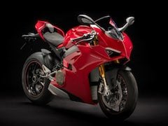 Ducati Panigale V4 Arrives in Europe Dealerships