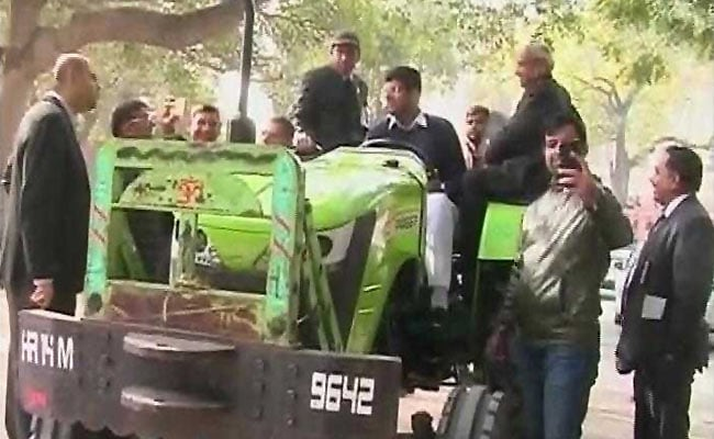 If PM Can Use Seaplane, Why Can't I Come On Tractor, Says This Lawmaker