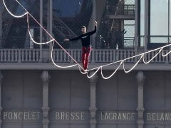 Record In The Sky: Daredevil Walks Tightrope 200 Feet In The Air