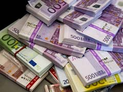 Homeless Man Hits Gold, Finds 3 Lakh Euros In Paris Airport Office