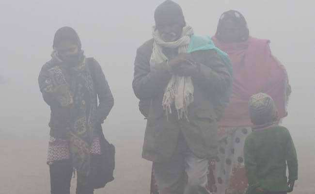 Dense Fog Hits Delhi On Year's Last Day, Visibility Very Low