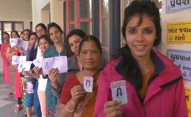 विराट और अनुष्का शादी पर सानिया मिर्जा ने कही बड़ी बात और गुजरात में आज कई जगहों पर दोबारा मतदान,  अब तक की 5 बड़ी खबरें