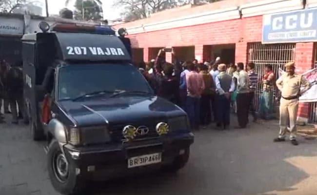 बदमाशों ने ड्यूटी जा रहे सिपाही के सिर में मारी गोली, अस्पताल में इलाज के दौरान मौत