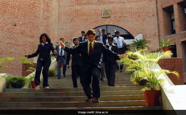 IIM Ahmedabad Concludes Summer Placement For 2017-19 Batch; Accenture, Amazon Among Top Recruiters