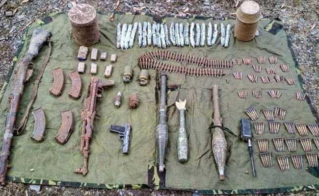जम्मू के रियासी में सुरक्षाबलों के संयुक्त अभियान में आतंकियों के हथियारों का जखीरा बरामद