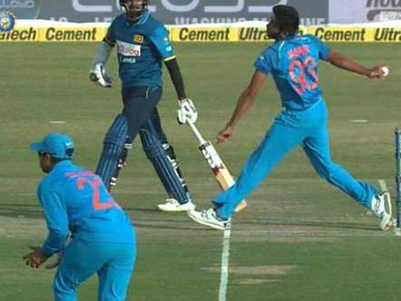 India vs Sri Lanka, 1st ODI: Jasprit Bumrah Trolled For His No-Ball Wicket of Upul Tharanga