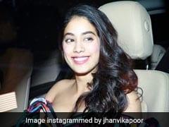 श्रीदेवी की बेटी जाह्नवी कपूर का वीडियो Viral, ग्लैमरस अंदाज में कुछ ये करती आईं नजर