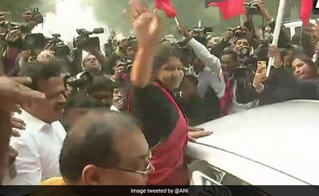 kanimozhi outside delhi court