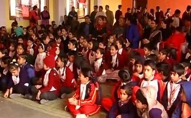 अनंतनाग में तीन आतंकियों के मारे जाने के बाद बंद किए गए स्कूल-कॉलेज फिर खुले
